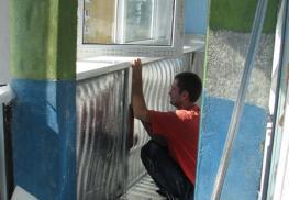 Зашивка утеплителя на балконе
