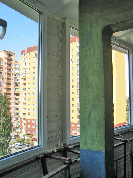 Теплое остекление балкона - фото.